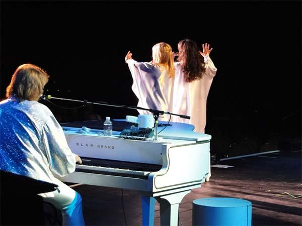 Slam Grand Pianos
